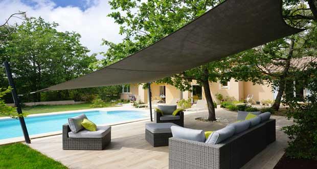 d co terrasse les diff rents types de parasol pour un style design design obsession. Black Bedroom Furniture Sets. Home Design Ideas